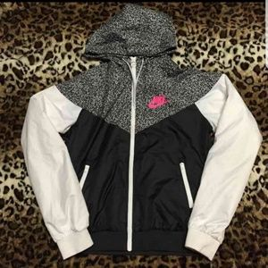 🌸 NIKE Windbreaker  (Super Rare) 🌸